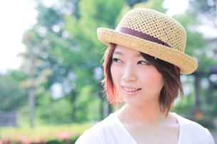 Princess MAIKO Benicio/麦わら帽子の写真素材 [FYI00090451]