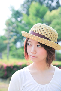 Princess MAIKO Benicio/麦わら帽子の写真素材 [FYI00090452]