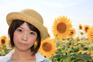 Princess MAIKO Benicio/向日葵畑シリーズの写真素材 [FYI00090483]