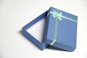 青い小箱の写真素材 [FYI00091484]