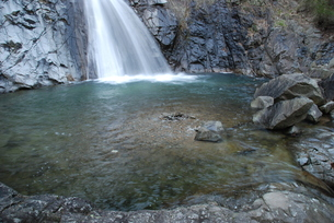 滝壺の写真素材 [FYI00091521]