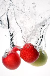 Apple Splash !の写真素材 [FYI00091524]