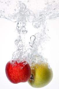 Apple Splash !の写真素材 [FYI00091526]