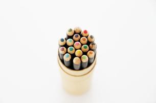 18色セットの色鉛筆の写真素材 [FYI00091582]