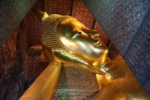 寝釈迦仏の写真素材 [FYI00091628]