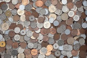 沢山の硬貨の素材 [FYI00092018]