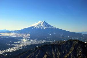 山梨県側高度2500mからの富士山の写真素材 [FYI00092336]