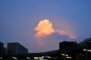 夕焼け雲 品川の写真素材 [FYI00092350]