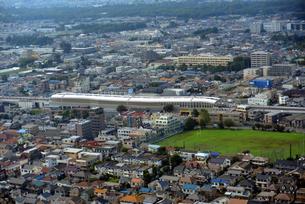 JR中央線、東小金井駅周辺を空からの写真素材 [FYI00092418]
