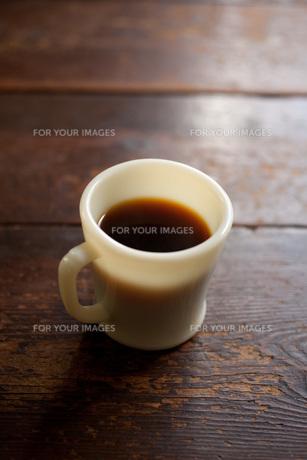マグカップにコーヒーの素材 [FYI00092806]