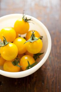 黄色いフルーツトマトの素材 [FYI00092882]