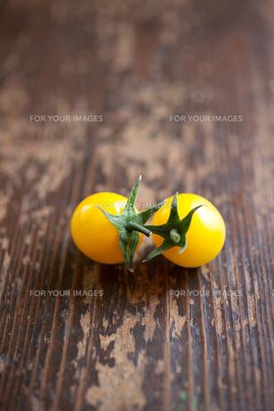 黄色いフルーツトマトの素材 [FYI00092887]