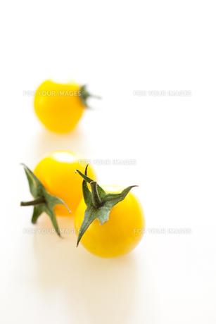 黄色いフルーツトマトの素材 [FYI00092896]