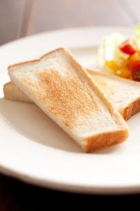 トーストとサラダとミルクの素材 [FYI00092961]