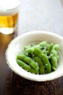 枝豆の塩茹でとビールの素材 [FYI00093154]