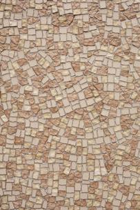 茶色のモザイクタイル素材の素材 [FYI00093174]
