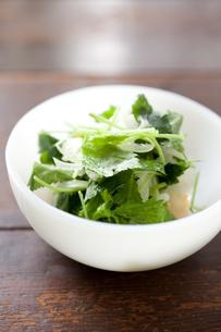 ミツバとタマネギのサラダの素材 [FYI00093190]
