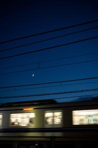 月と星と電車の素材 [FYI00093210]
