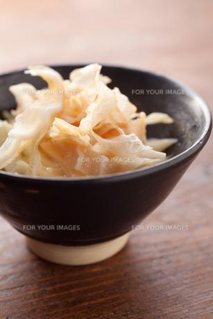 ミミガー酢味噌和えの写真素材 [FYI00093230]