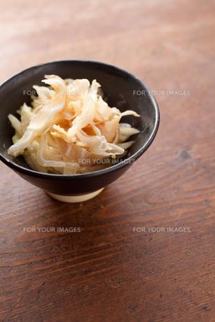 ミミガー酢味噌和えの写真素材 [FYI00093238]