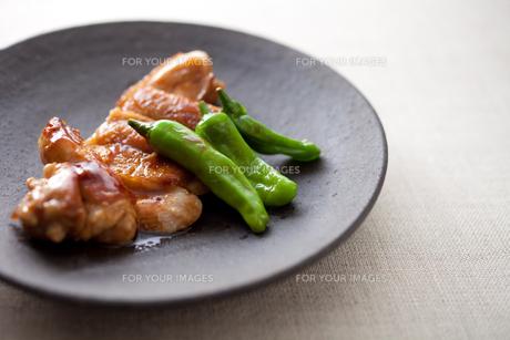 鶏の照り焼きの素材 [FYI00093528]
