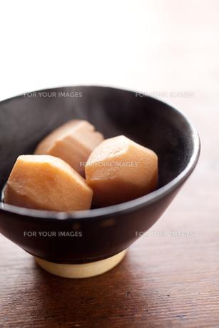 里芋の煮物の素材 [FYI00093538]