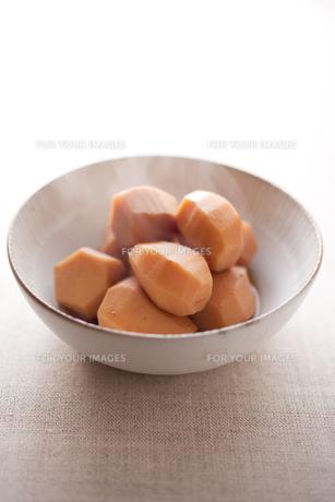 里芋の煮物の素材 [FYI00093547]
