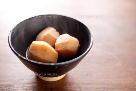 里芋の煮物の素材 [FYI00093559]