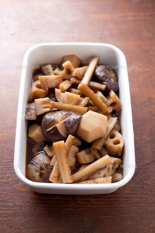 根菜と椎茸の煮物の素材 [FYI00093568]