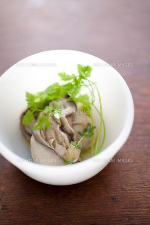 牡蠣のオリーブオイル漬けの素材 [FYI00093630]