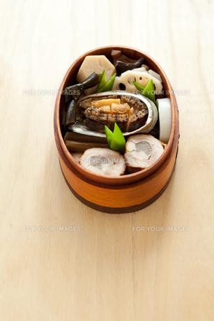 おせち料理わっぱ盛りの写真素材 [FYI00093645]