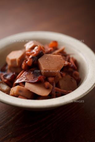 イカと里芋の煮物の素材 [FYI00093771]