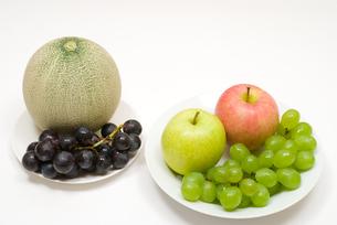 メロンとブドウとりんごの写真素材 [FYI00094571]