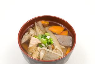 鶏汁・お椀盛りの写真素材 [FYI00094878]