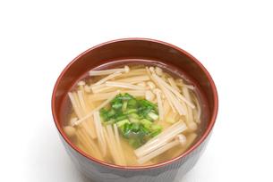 えのきたけの味噌汁の写真素材 [FYI00094882]