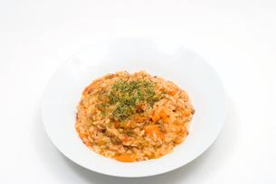 ひき肉とトマトのリゾットの写真素材 [FYI00094888]
