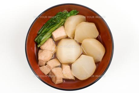カブと鶏肉の煮物・お椀盛りの素材 [FYI00095305]