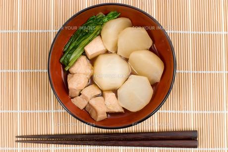 カブと鶏肉の煮物・お椀盛りの素材 [FYI00095307]