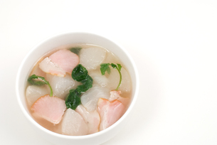 カブとベーコンのスープの写真素材 [FYI00095353]