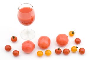 トマトとトマトジュースの写真素材 [FYI00095633]
