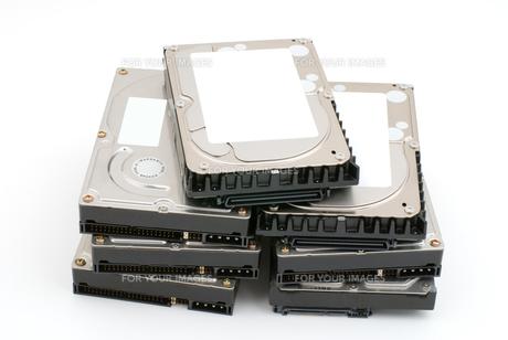 積み上げたハードディスクの写真素材 [FYI00095641]