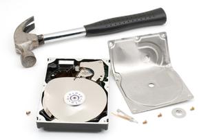 破壊したハードディスクの写真素材 [FYI00095665]