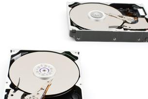 開封したハードディスクの写真素材 [FYI00095672]