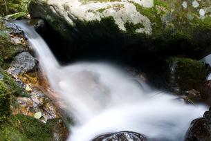 奥十曽渓谷の水の流れの素材 [FYI00096218]