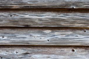 古民家の木の外壁の写真素材 [FYI00096240]
