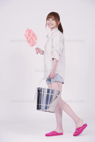 日本人の若い女性の写真素材 [FYI00097637]