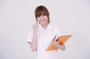 日本人の若い女性の写真素材 [FYI00097659]