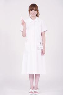 日本人の若い女性の写真素材 [FYI00097680]