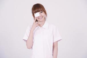 日本人の若い女性の写真素材 [FYI00097695]