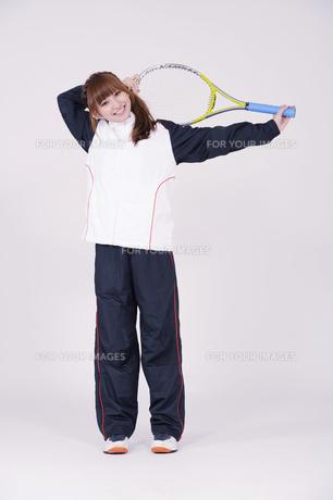 トレーニングウエアを着た女性の写真素材 [FYI00097697]